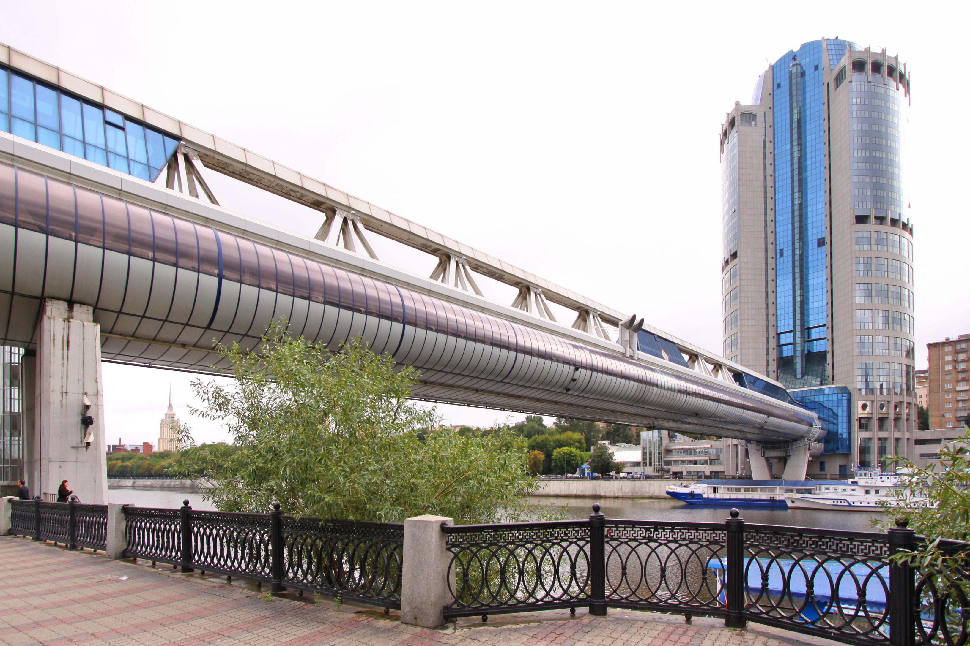Башня-2000 (Москва-Сити: - cтилобат
